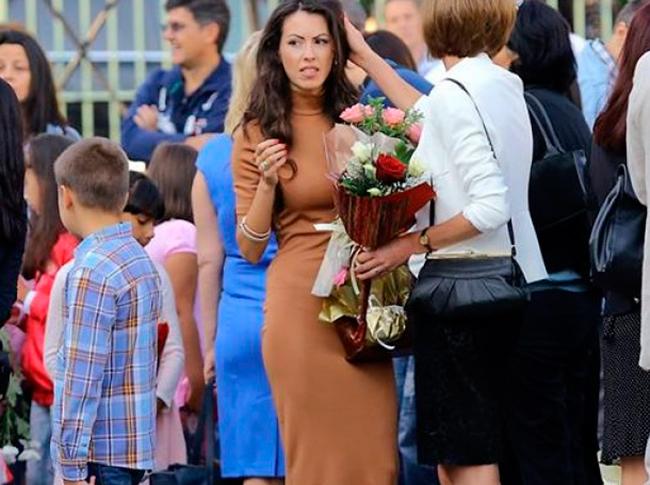 Силвия Зубева. Красивая болгарская учительница