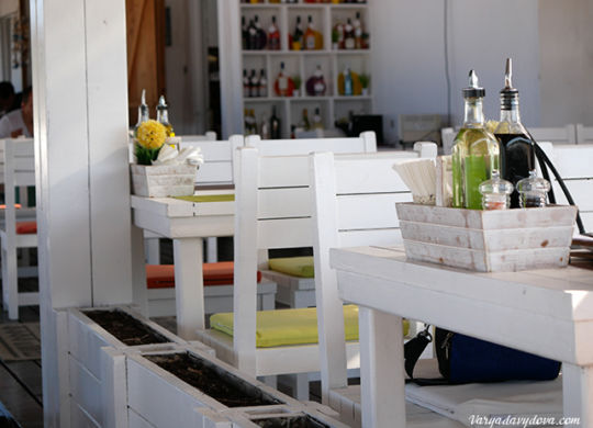 Пляжный ресторан в Созополе. Цены