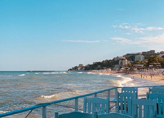 Курортный комплекс Чайка, пляж Кабакум и база отдыха Журналист