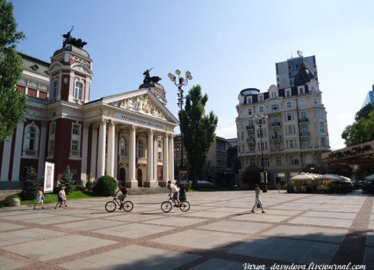 Театр Иван Вазов и дом Гендович в Софии