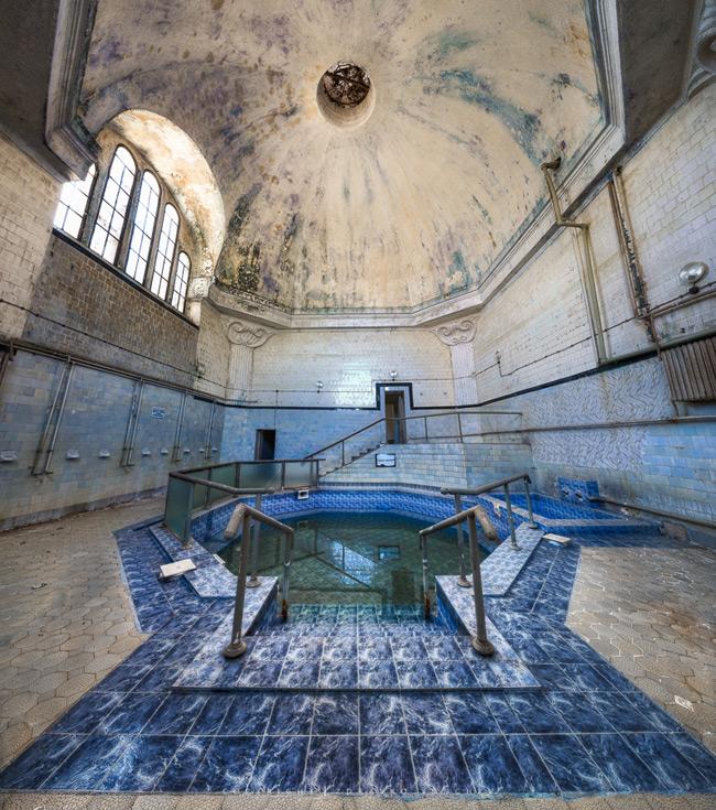 Минеральная баня в Горна Баня (Болгария)