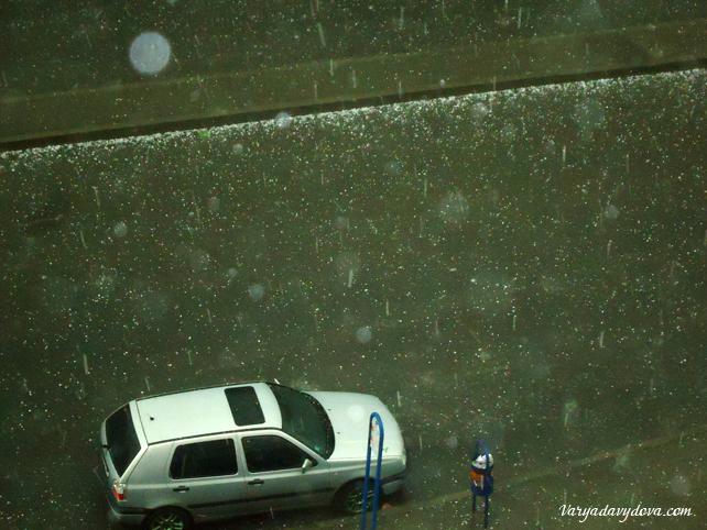 Буря с градом в Софии