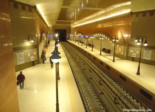 Станция метро Львов мост