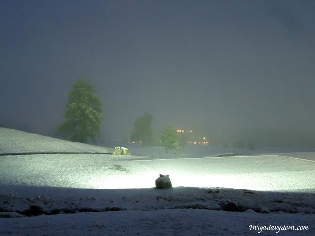 Пирин гольф ночью